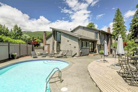 R2284486 - 2400 WEYMOUTH PLACE, Lynn Valley, North Vancouver, BC - House/Single Family