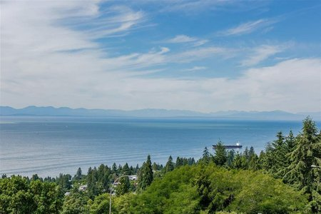 R2286361 - 33 2231 FOLKESTONE WAY, Panorama Village, West Vancouver, BC - Apartment Unit