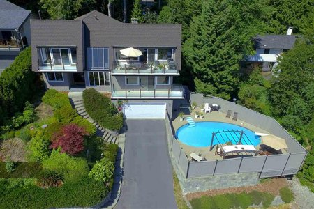 R2295367 - 324 MONTROYAL BOULEVARD, Upper Delbrook, North Vancouver, BC - House/Single Family