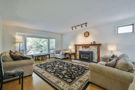 R2301958 - 10086 156 STREET, Guildford, Surrey, BC - House/Single Family