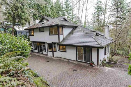 R2304126 - 215 RABBIT LANE, British Properties, West Vancouver, BC - House/Single Family