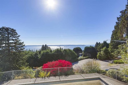 R2312884 - 2050 RUSSET WAY, Queens, West Vancouver, BC - House/Single Family