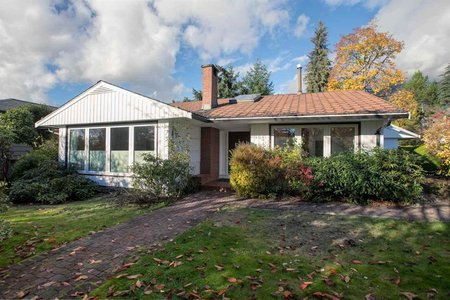 R2319363 - 4082 SUNNYCREST DRIVE, Forest Hills NV, North Vancouver, BC - House/Single Family