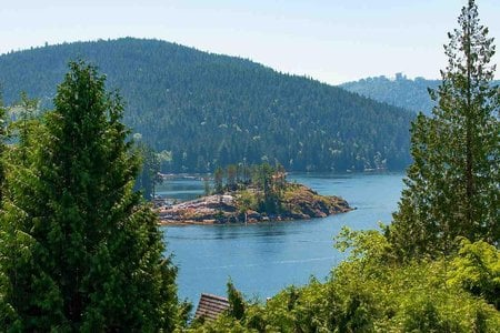 R2319856 - 4765 COVE CLIFF ROAD, Deep Cove, North Vancouver, BC - House/Single Family