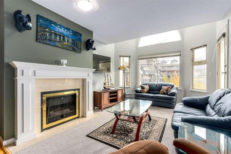 R2320407 - D218 4845 53 STREET, Hawthorne, Delta, BC - Apartment Unit