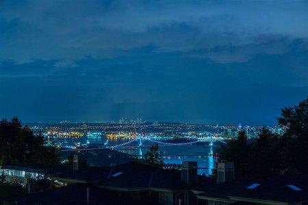 R2320970 - 2467 FOLKESTONE WAY, Panorama Village, West Vancouver, BC - Townhouse
