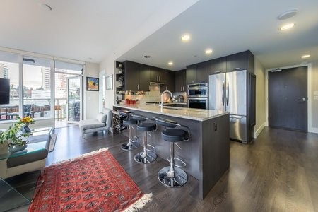 R2321060 - 301 150 W 15TH STREET, Central Lonsdale, North Vancouver, BC - Apartment Unit