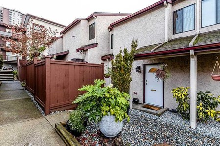 R2325820 - 19 230 W 14TH STREET, Central Lonsdale, North Vancouver, BC - Townhouse