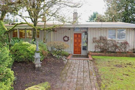 R2335069 - 4067 SUNNYCREST DRIVE, Forest Hills NV, North Vancouver, BC - House/Single Family