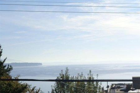 R2335799 - 15291 COLUMBIA AVENUE, White Rock, White Rock, BC - House/Single Family