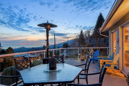 R2344946 - 284 NEWDALE COURT, Upper Delbrook, North Vancouver, BC - House/Single Family