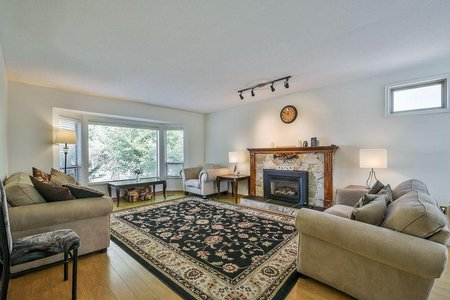 R2348454 - 10086 156 STREET, Guildford, Surrey, BC - House/Single Family