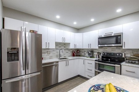 R2349692 - 2105 33 CHESTERFIELD PLACE, Lower Lonsdale, North Vancouver, BC - Apartment Unit