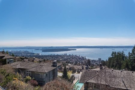 R2352849 - 2458 CHIPPENDALE ROAD, Whitby Estates, West Vancouver, BC - House/Single Family