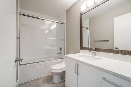 R2353479 - 20455 86 AVENUE, Willoughby Heights, Langley, BC - Row House (Non-Strata)