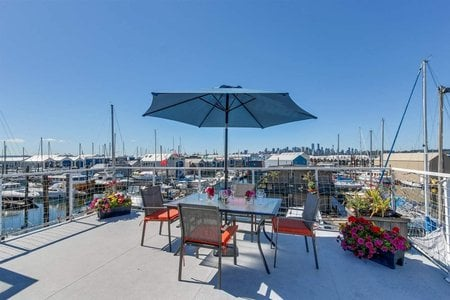 R2353777 - EFH#16 415 W ESPLANADE STREET, Lower Lonsdale, North Vancouver, BC - House/Single Family