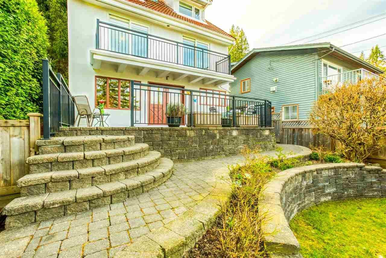 1880 Cliffwood Road, North Vancouver, BC V7G 1S2