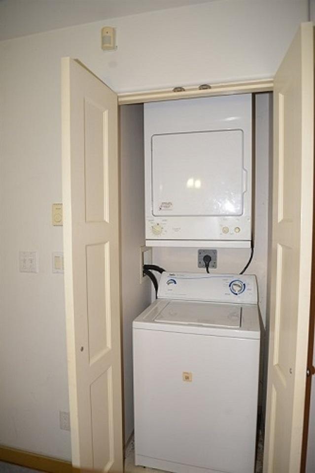 206 819 Hamilton Street, Vancouver - 2 beds, 1 bath - For