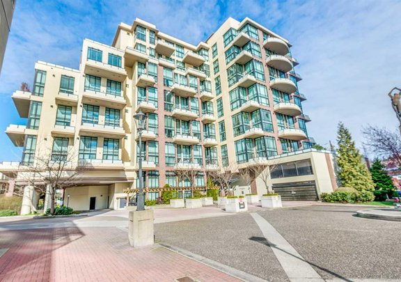 429 10 RENAISSANCE SQUARE, New Westminster - R2357419