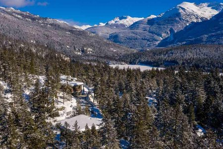 R2359490 - 9521 EMERALD DRIVE, Emerald Estates, Whistler, BC - House with Acreage