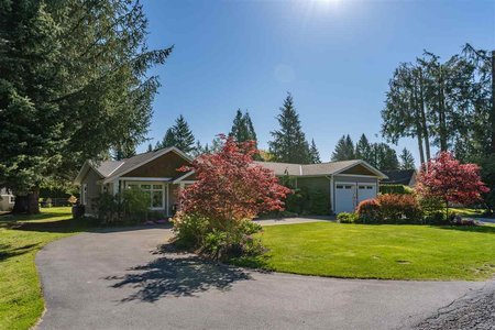 R2365220 - 4558 SADDLEHORN CRESCENT, Salmon River, Langley, BC - House with Acreage
