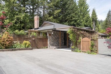 R2369968 - 32 GLENMORE DRIVE, Glenmore, West Vancouver, BC - Townhouse