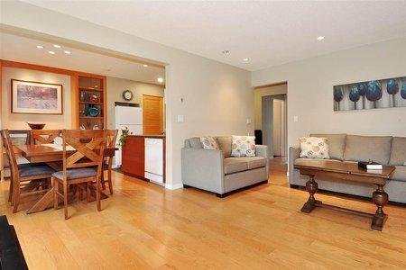 R2370300 - 720 WESTVIEW CRESCENT, Central Lonsdale, North Vancouver, BC - Apartment Unit