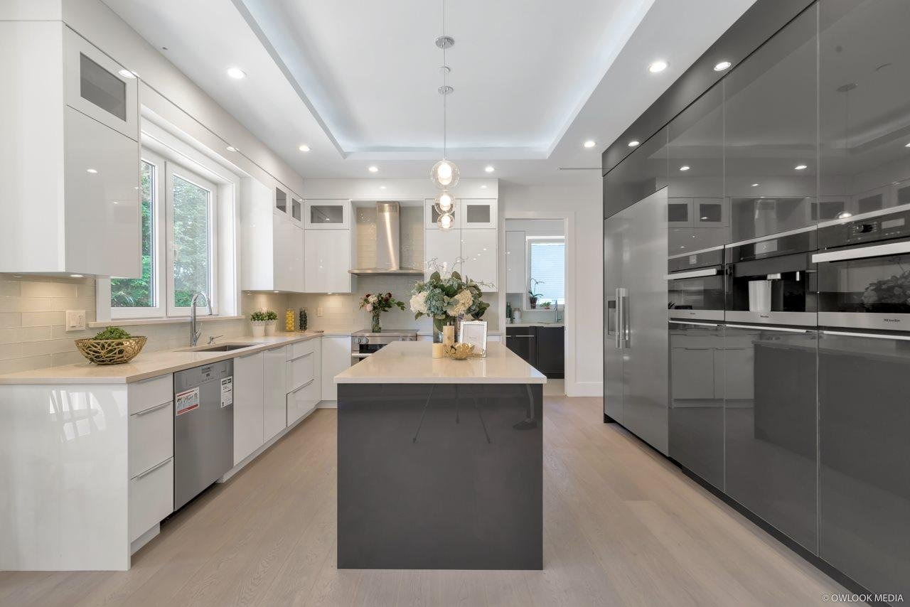 3068 Sw Marine Drive Vancouver 7 Beds 6 Baths For Sale Mike