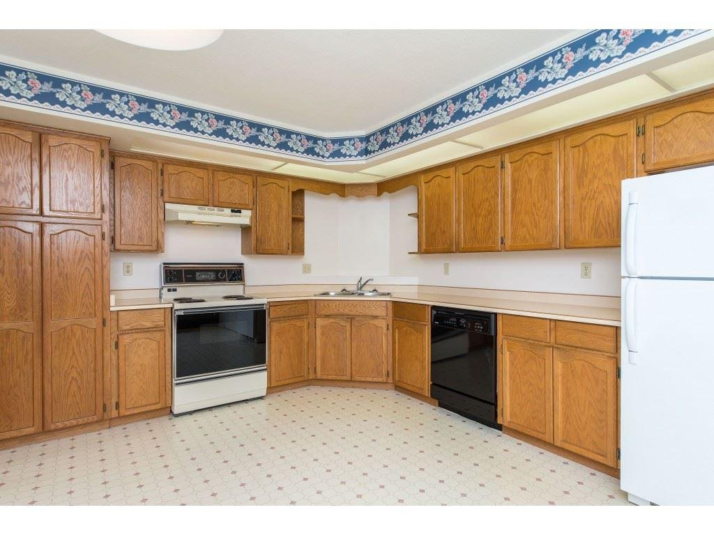 206 31930 Old Yale Road, Abbotsford - 2 beds, 2 baths - For