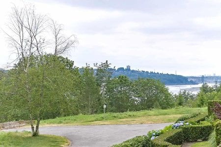 R2386652 - 225 3629 DEERCREST DRIVE, Roche Point, North Vancouver, BC - Apartment Unit