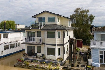 R2388033 - 8 3871 W RIVER ROAD, Port Guichon, Delta, BC - House/Single Family