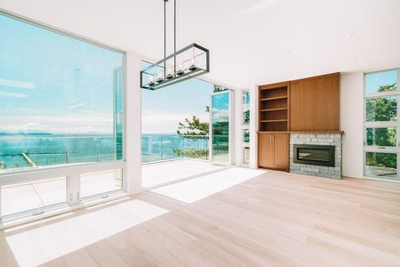 R2388787 - 15046 BUENA VISTA AVENUE, White Rock, White Rock, BC - House/Single Family