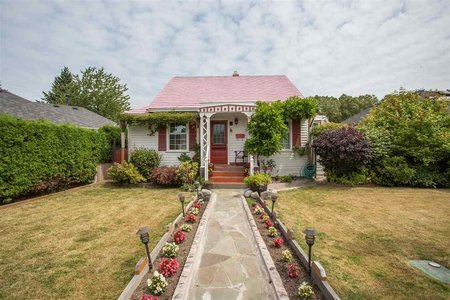 R2393384 - 2200 STIRLING AVENUE, Sea Island, Richmond, BC - House/Single Family