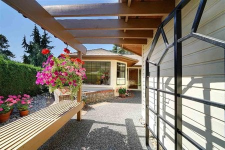 R2394561 - 1 1812 SOUTHMERE CRESCENT, Sunnyside Park Surrey, Surrey, BC - Townhouse