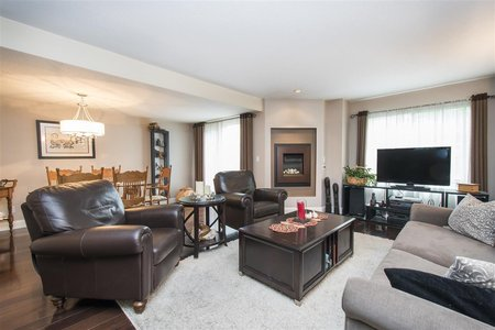 R2399797 - 203 3980 INLET CRESCENT, Indian River, North Vancouver, BC - Townhouse