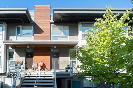 R2402538 - 209 735 W 15TH STREET, Mosquito Creek, North Vancouver, BC - Townhouse