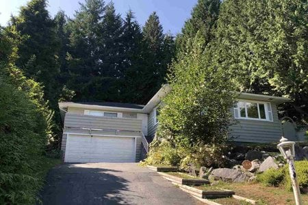 R2402919 - 111 BONNYMUIR DRIVE, Glenmore, West Vancouver, BC - House/Single Family