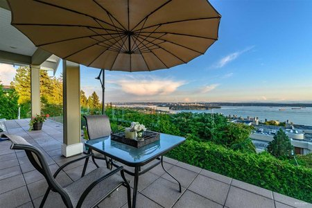 R2405158 - 2228 LYTHE COURT, Whitby Estates, West Vancouver, BC - House/Single Family