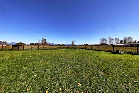 R2413450 - 16 DYKE ROAD, Port Kells, Surrey, BC - Manufactured with Land