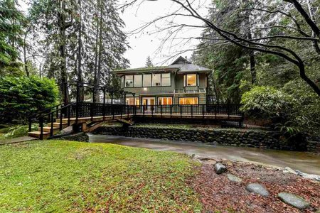 R2432542 - 3890 EMERALD DRIVE, Edgemont, North Vancouver, BC - House/Single Family