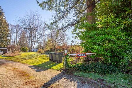 R2435462 - 7696 184 STREET, Clayton, Surrey, BC - House with Acreage