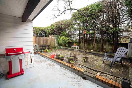 R2437057 - 102 340 W 3RD STREET, Lower Lonsdale, North Vancouver, BC - Apartment Unit