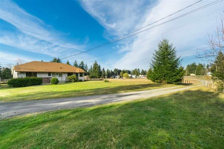 R2440336 - 24590 50 AVENUE, Salmon River, Langley, BC - House with Acreage