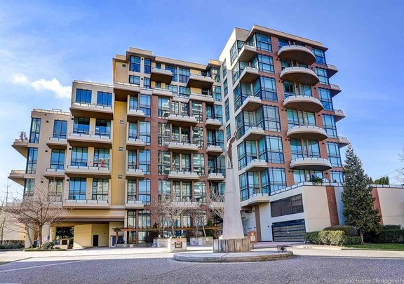 216 10 RENAISSANCE SQUARE, New Westminster - R2443854