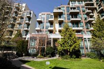 112 10 RENAISSANCE SQUARE, New Westminster - R2450373