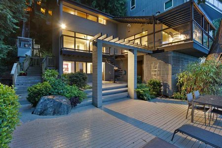 R2468345 - 3 MONTIZAMBERT WYND, Howe Sound, West Vancouver, BC - House/Single Family
