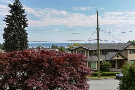 R2470139 - 528 HERMOSA AVENUE, Upper Delbrook, North Vancouver, BC - House/Single Family