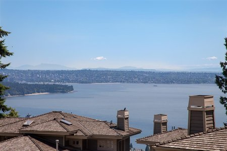 R2476287 - 2485 FOLKESTONE WAY, Panorama Village, West Vancouver, BC - Townhouse