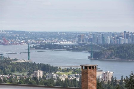 R2479653 - 21 2250 FOLKESTONE WAY, Panorama Village, West Vancouver, BC - Apartment Unit