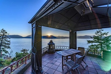 R2484253 - 8555 LAWRENCE WAY, Howe Sound, West Vancouver, BC - House/Single Family